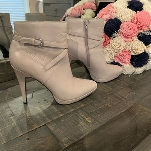 Nine West boots with heal